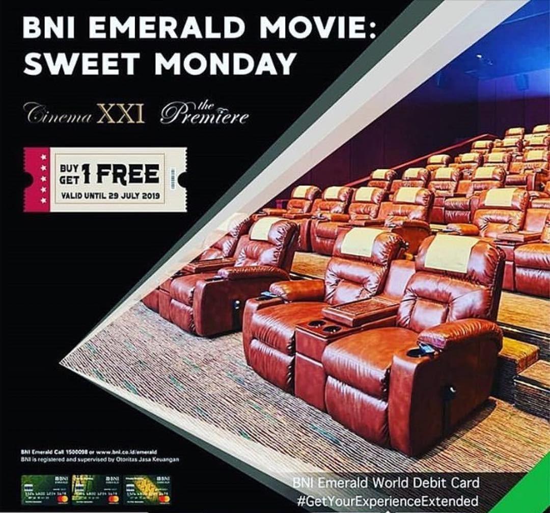 21 Cinema / XXI Promo Buy 1 Get 1 Free untuk pemegang Kartu BNI Emerald setiap hari Senin